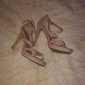 """GUC 5"""" beige/pale pink strappy heels"""